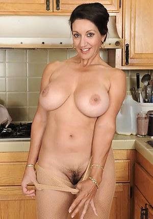 Big Tits Kitchen Porn Pictures