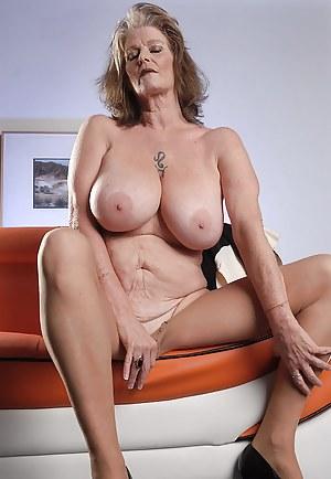 indian mom big boobs nackt